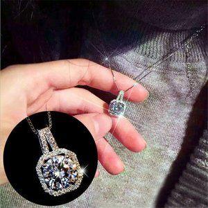Jewelry - NWOT Rhinestone Crystal Necklace